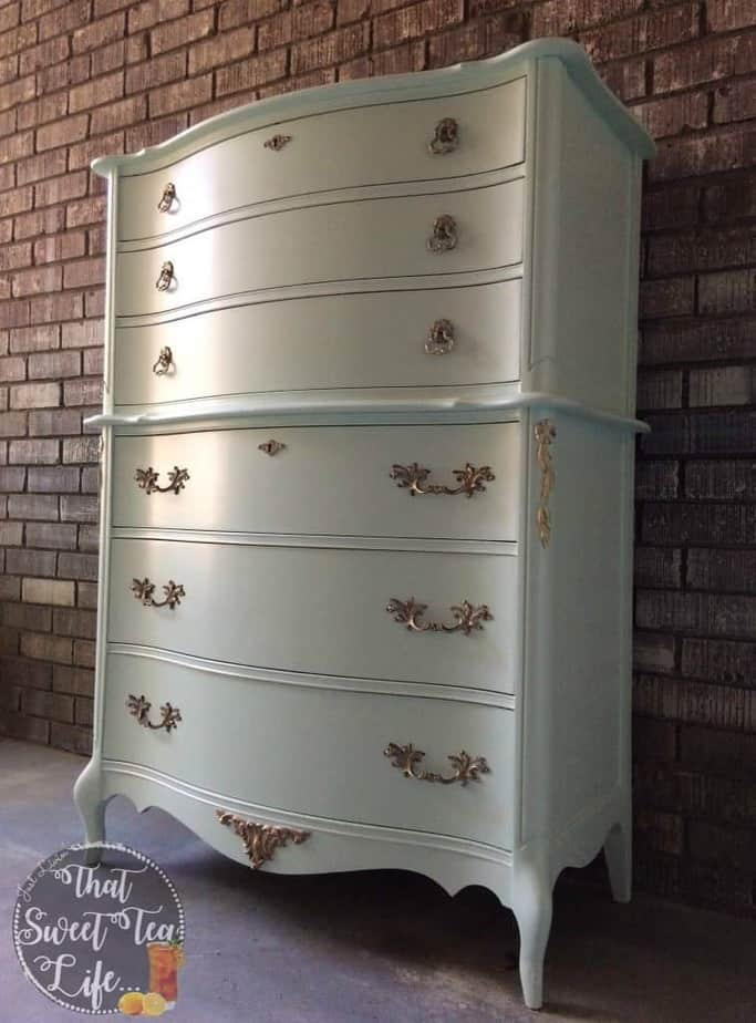 Right Angle French_Provincial_Chest-rescued furniture Modern_Masters_Gold-stenciling-Appliques can take a worn out piece and make it new again! #thatsweettealife #furnitureappliques #furniturepainter #paintedfurniture #furnituremakeover