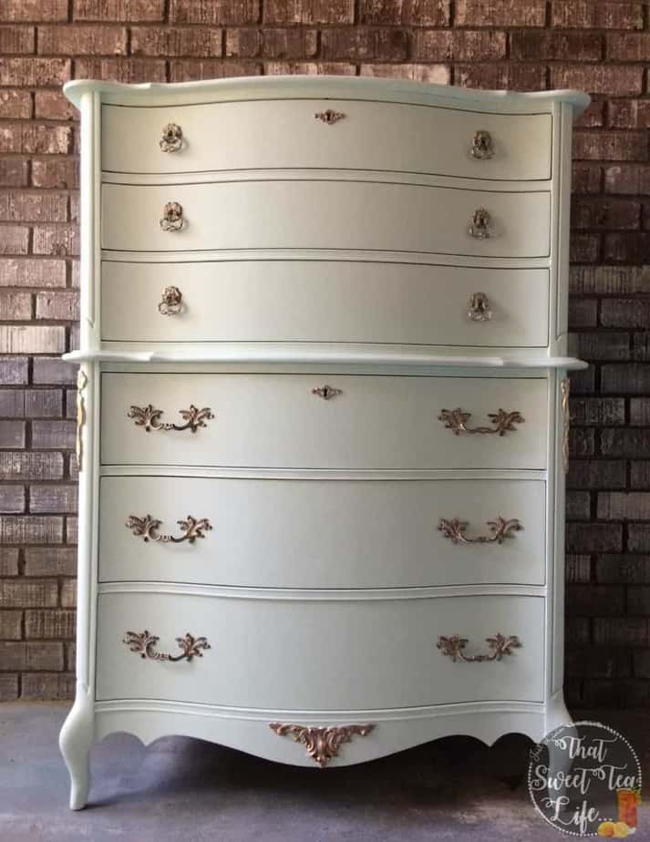 French_Provincial_Chest-rescued furniture Modern_Masters_Gold-stenciling-Appliques can take a worn out piece and make it new again! #thatsweettealife #furnitureappliques #furniturepainter #paintedfurniture #furnituremakeover