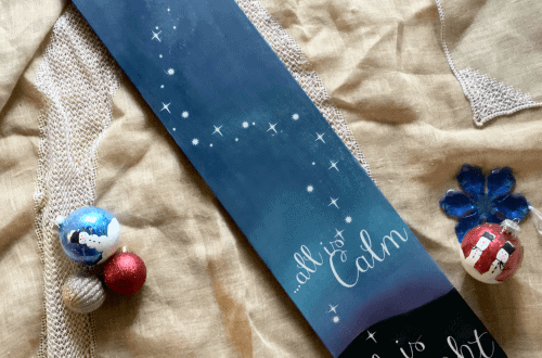 DIY Sign for Christmas using blended paint technique and Cricut Machine