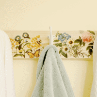 DIY Farmhouse Towel Rack