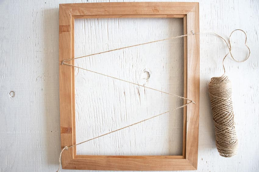 picture frame with twine