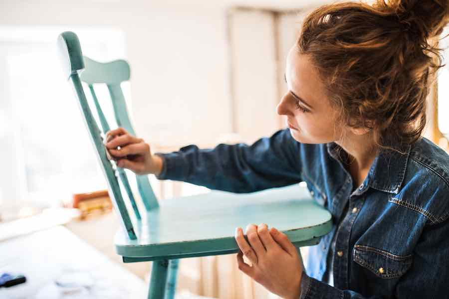 Painting a chair with latex paint